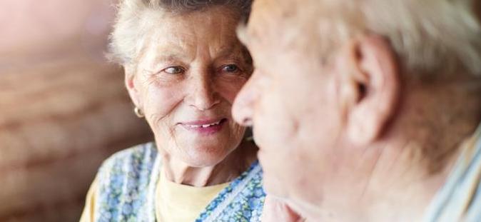 Maintien à domicile de personnes âgées: bon ou mauvais ?